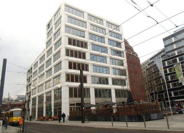 Bürogebäude am Litfaßplatz Berlin Mitte